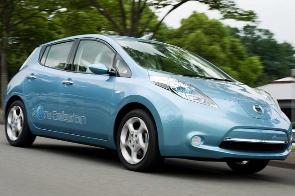 Nissan LEAF: Faster 0-60 MPH Than a (Classic) Mustang?