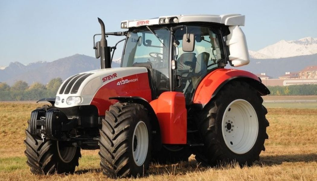 Steyr Introduces Fiat-Powered CNG Farm Tractor
