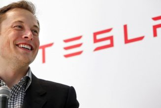 Tesla CEO Isn't Afraid of the Big Bad Auto Dealers