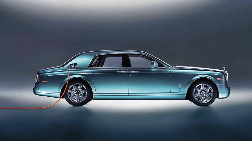 Rolls Royce Readies a Plug-in Hybrid