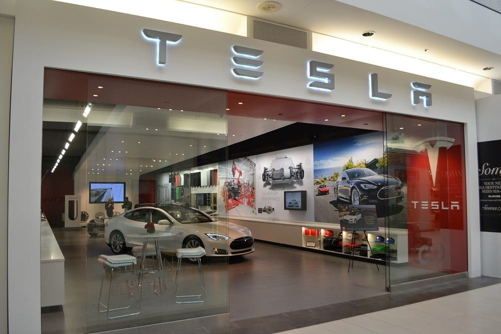 Four States With Anti-Tesla Laws Nominated For Luddite Awards