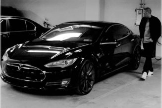 Jay Z Drives A Black-on-Black Tesla Model S