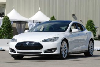 Tesla Announces Business Leasing Plan