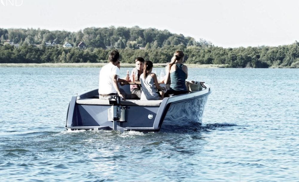 RAND Picnic electric boat