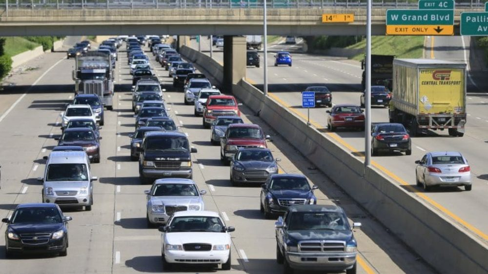 Traffic has a huge impact on auto emissions