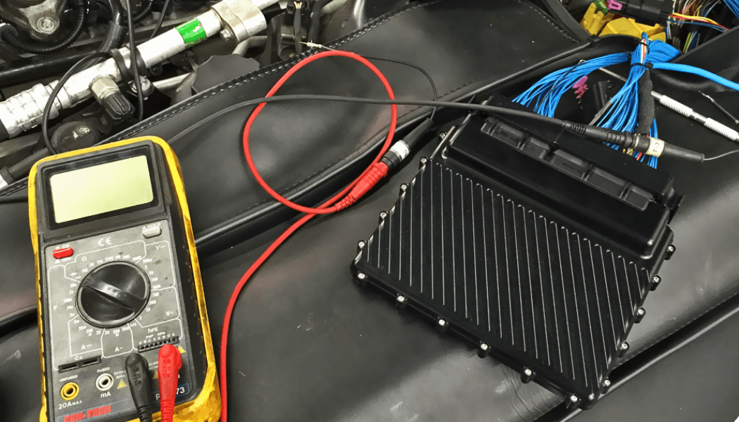 Syvecs Standalone ECU on Mercedes-Benz R230 V12