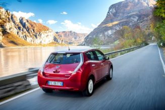 NIssan LEAF leads electric cars in sales