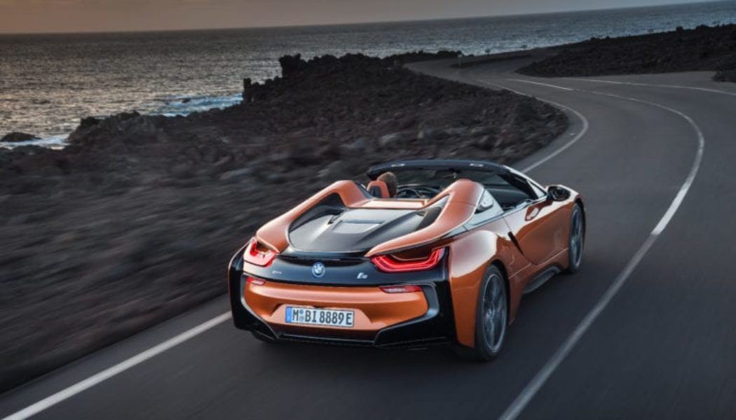BMW i8 Drops Its Top In Los Angeles