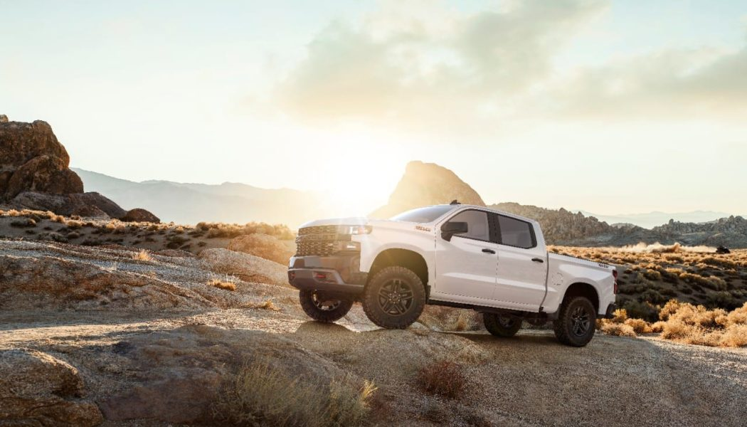 New Chevy Silverado Packs Less Weight, More Features (14 Photos)