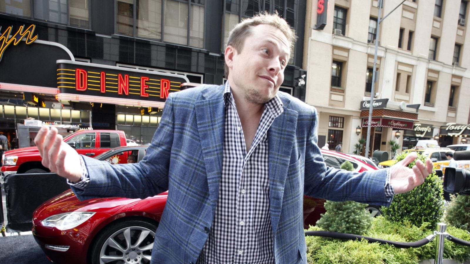 "Elon Musk to Fire All Contractors Not ""Personally Vouched For"""