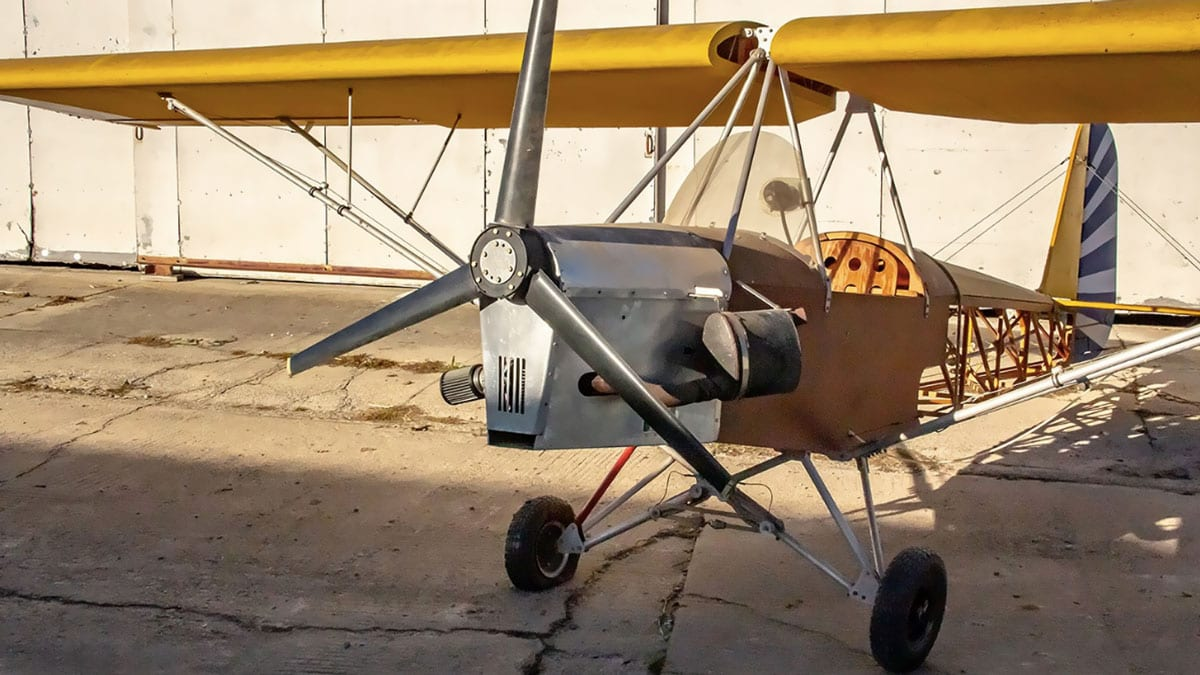 Don't Buy it, Build it:  2 Stroke, Kawasaki Airplane (w/ Video)