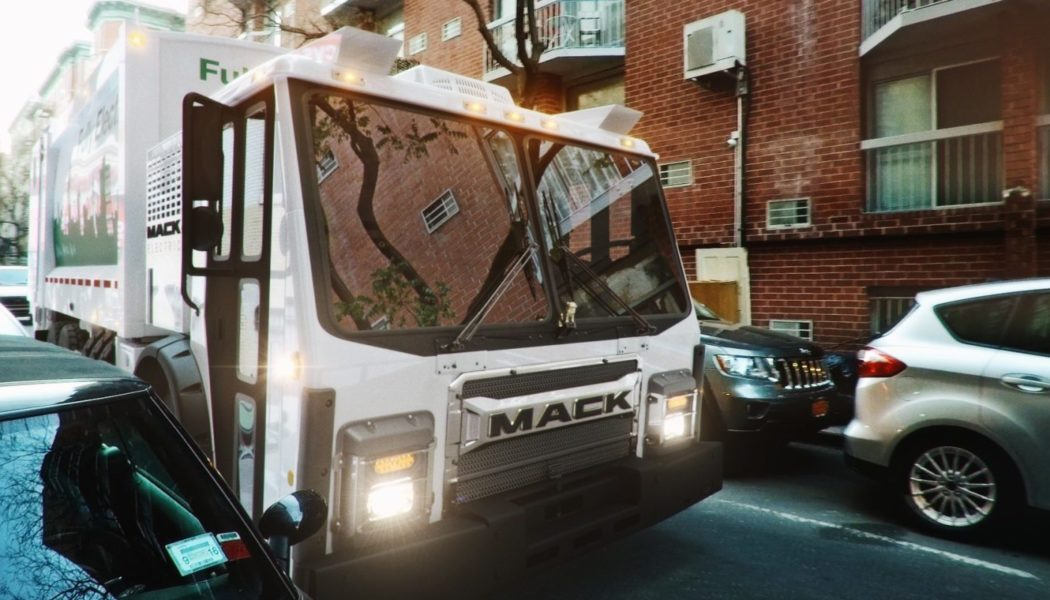 Mack to Build Electric Garbage Trucks for NYC