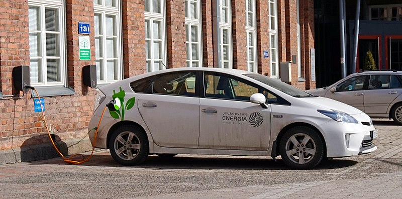 The Truth About EV and PHEV Batteries